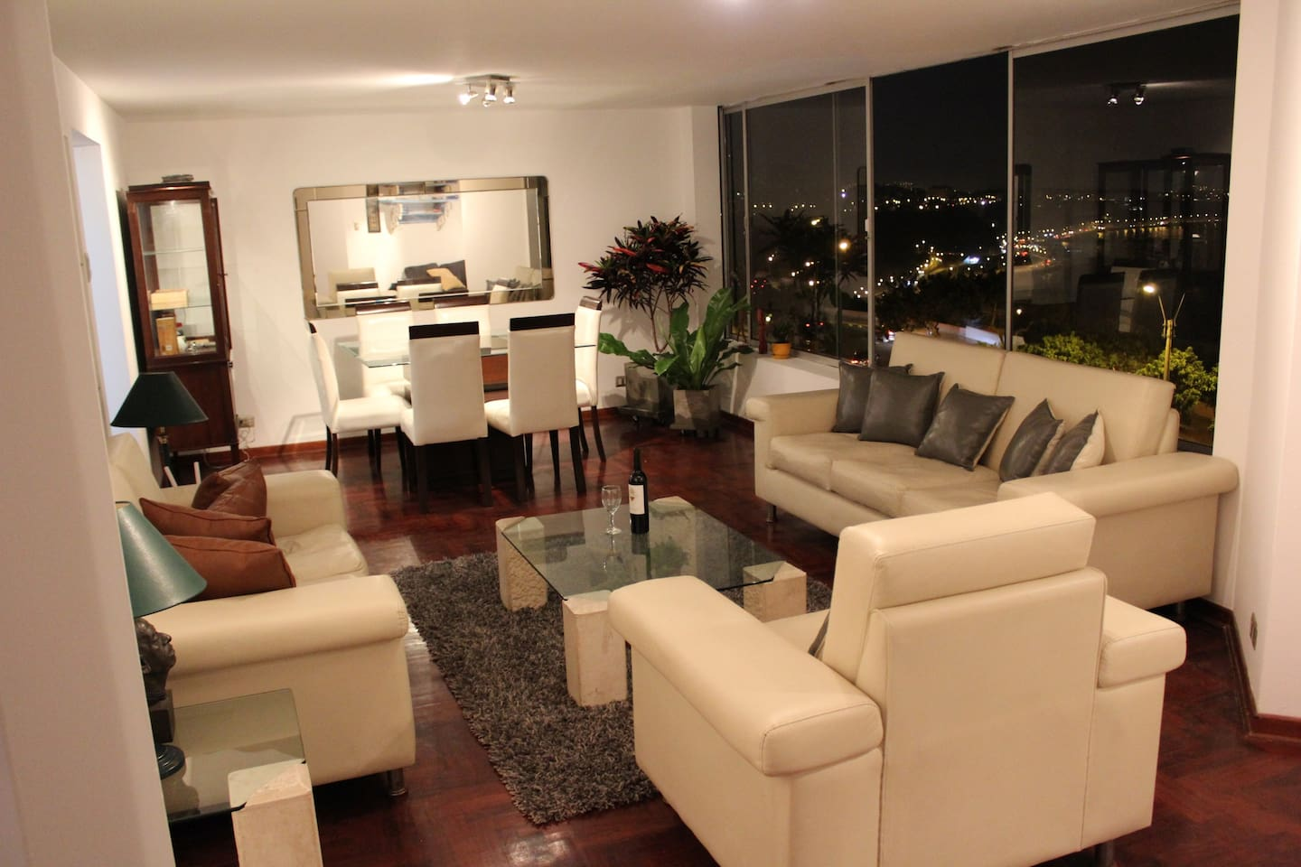 Living room and night view to the coast.
