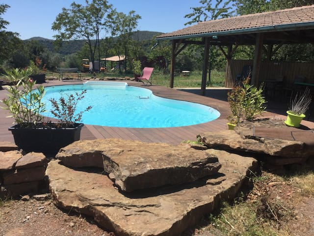 Chalet avec piscine privative