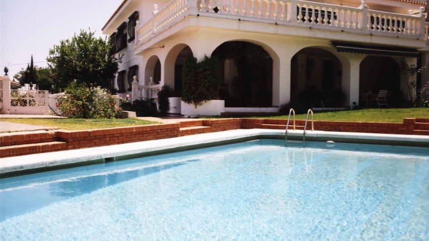 10BD villa, pool & garden in Malaga - Málaga - Villa