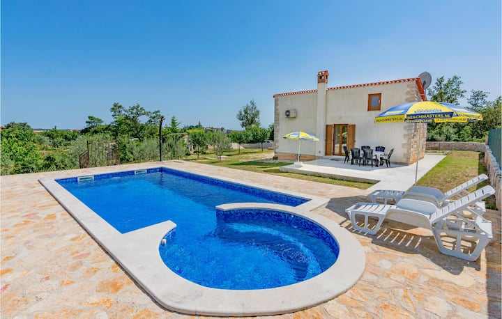 Nice home in Zminj with Jacuzzi, WiFi and 1 Bedrooms
