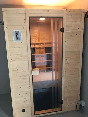 Studio avec sauna au calme