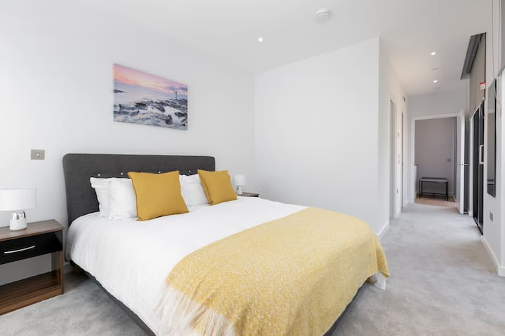 Modern Townhouse Near London's O2 Arena & Excel