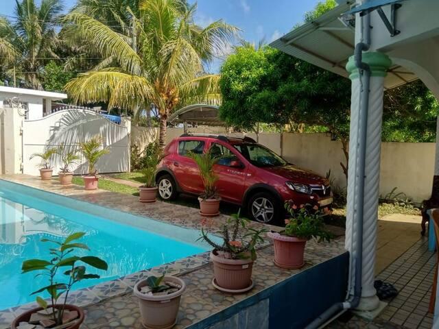 House/ Private Pool , wifi, jacuzzi/spa ,security alarm, canal+ near sea
