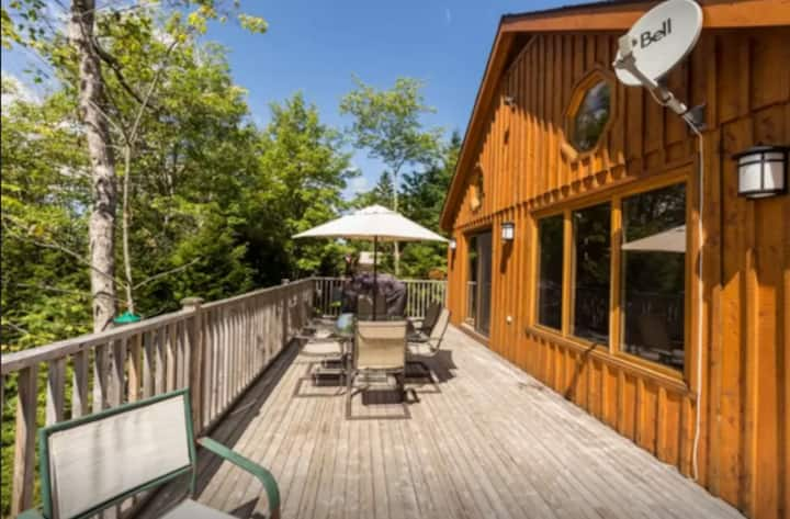 Lakefront Chalet-Only 10 minutes from Ski Martock