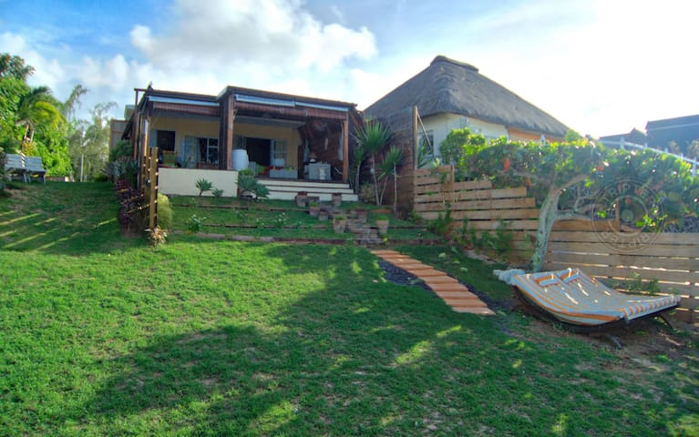 MAOD 1BR beachfront villa in Calodyne - Goodlands - Vila