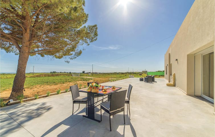 Holiday cottage with 3 bedrooms on 105m² in Menfi