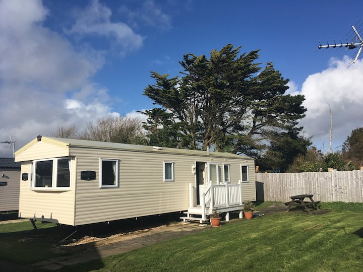 Chesil Holiday Chalet 8-berth large secluded plot