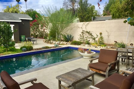 Charming Pool/Guest House in your Private Oasis - Pasadena