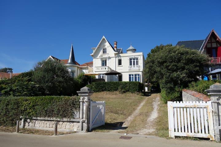 Villa vue sur Mer - Saint-Palais-sur-Mer - Villa