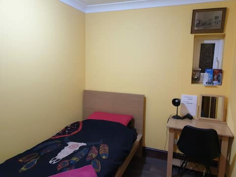 Single New With Private Bath& free Travel Heathrow