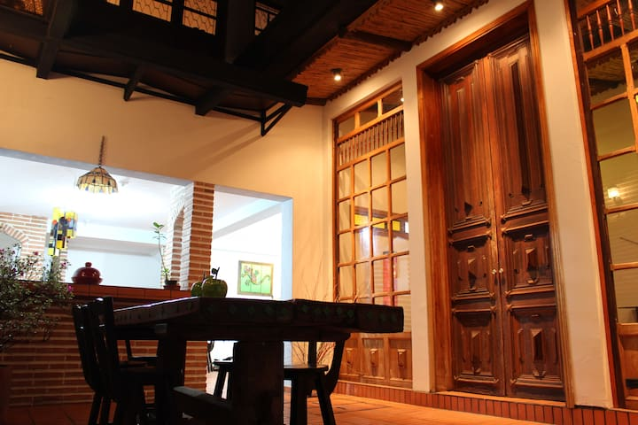Gorgeous apartment in downtown La Candelaria