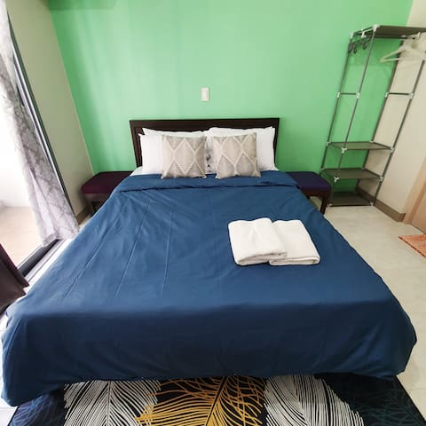 Newly open Condo for 2 near St. Luke's FAST WIFI
