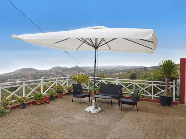 2-br home with BBQ, big terrace and fantastic view