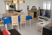 Sala de Estar e Jantar // Living and Dining Room