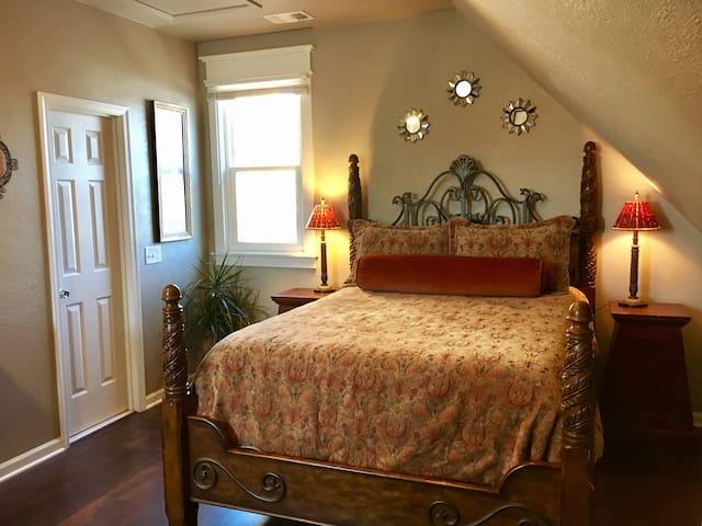 Queen bed with Serta i-series memory foam mattress.