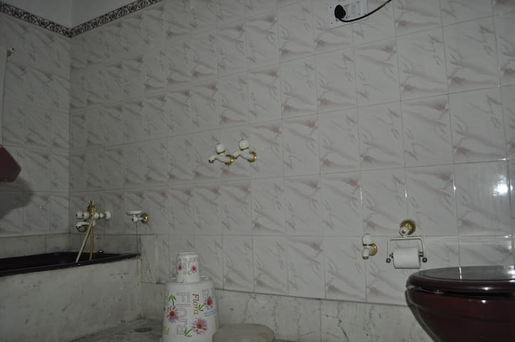Washroom with bathtub