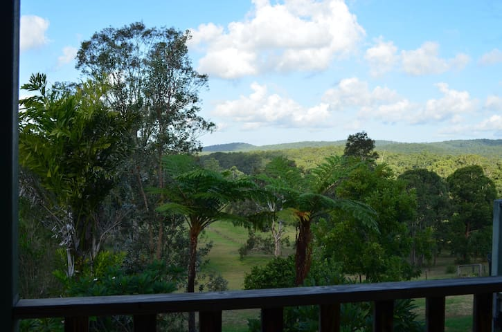 self-contained, country views, spacious & sunny - Tinonee