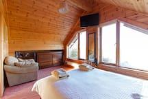 Unique log cabin in scenic Mayo