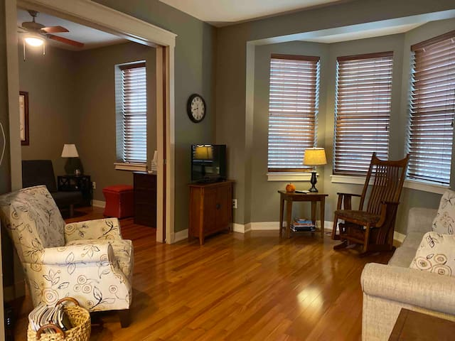 Charming condo in prime Downtown Indy location.