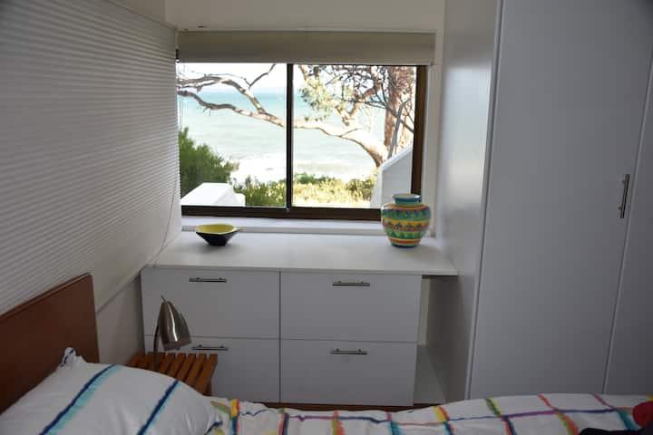 Beachside Taroona with Spa