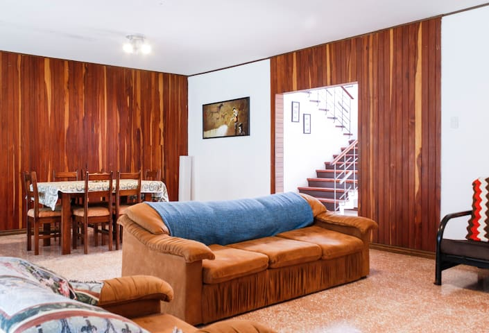 Private rooms for rent, Veritas area - San Jose - Dům