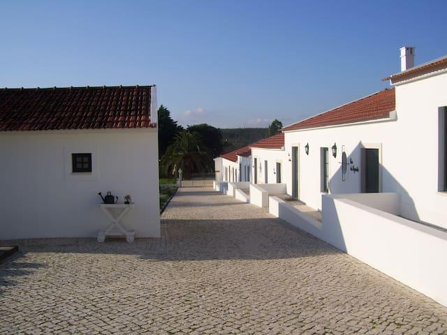 Casas de São José - Casa Açucenas - Asseiceira - Haus