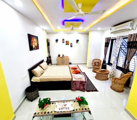 AC Studio with Private Entrance & Free Breakfast!