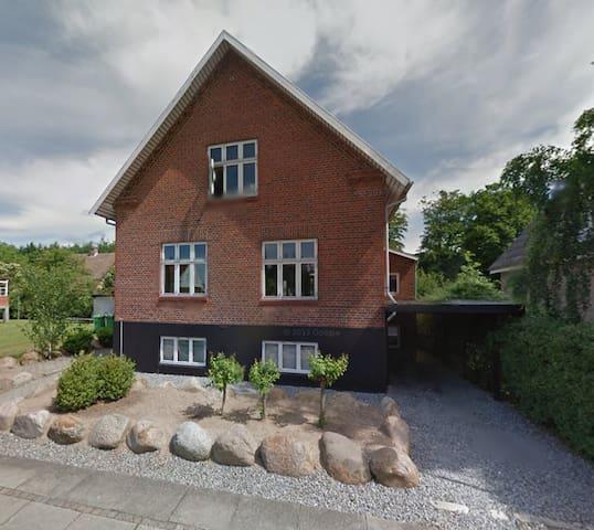 Familiehus tæt på skov, by og strand - Svendborg - House