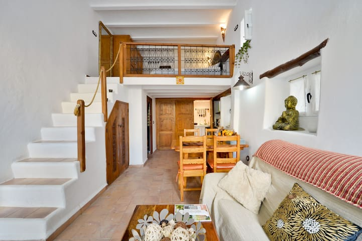 """Casa romántica en """"Dalt Vila"""" Ibiza - Ibiza - House"""