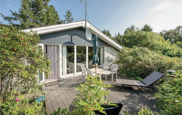 Holiday cottage with 2 bedrooms on 100m² in Hadsund