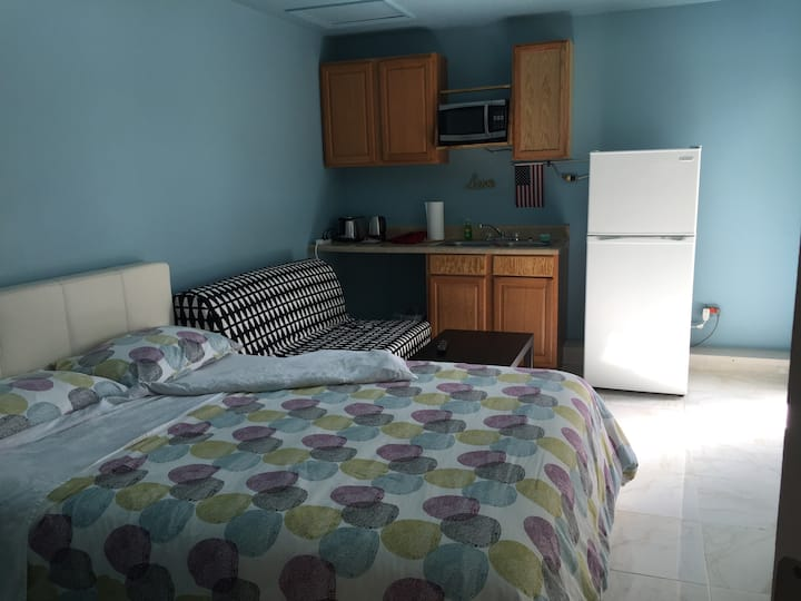 Cozy Studio near Disney ($40/nt, weekly discount)