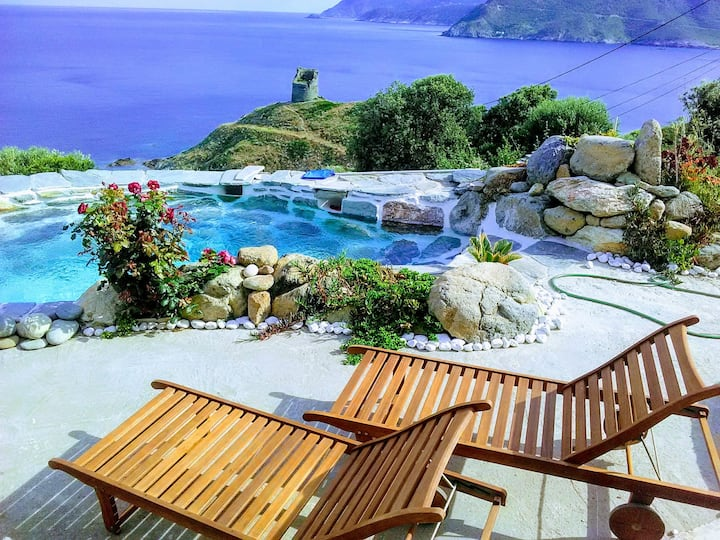 Rez de jardin de 100m² Vue mer avec Piscine privée