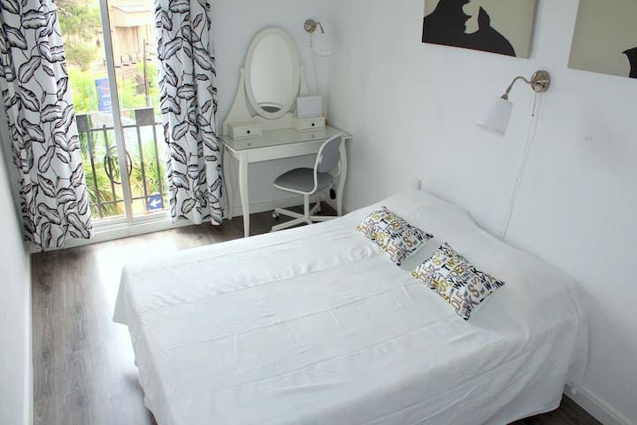 GLAMOUR BARCELONA RENT FOR MONTHS