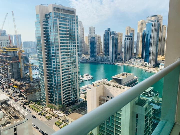 Amazing view 21st Floor Room in Dubai Marina
