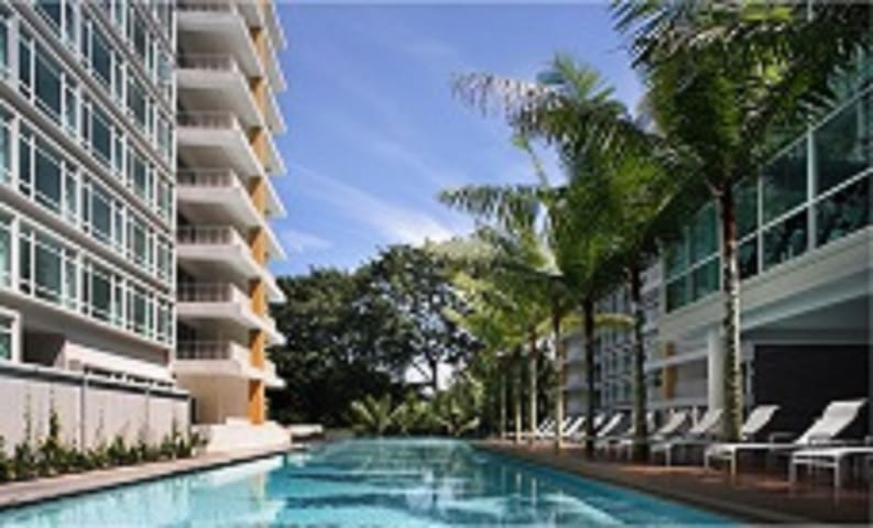 Spacious 3BR Apartment near Sentosa attractions