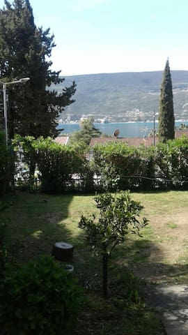 Nice comfortable room 80m from the sea