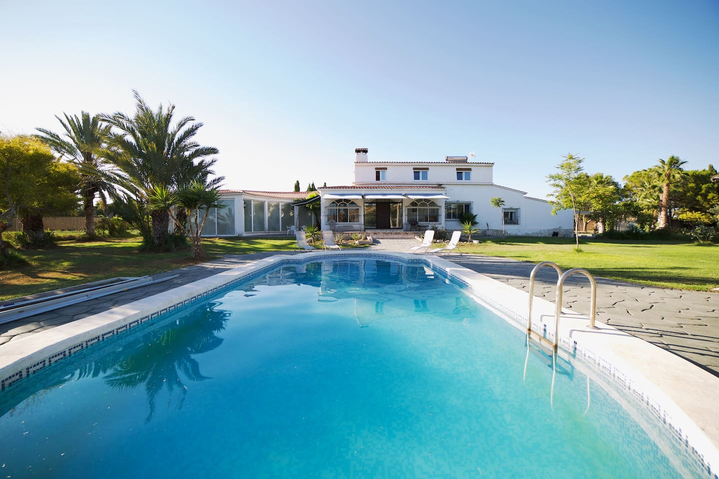 Indoor pool villa  Spacious Oasis Villa with Indoor Pool, Jacuzzi - Houses for Rent in ...