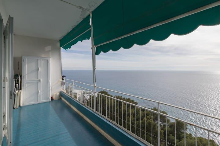 Casa intera vista mare a Sanremo - Sanremo - Departamento