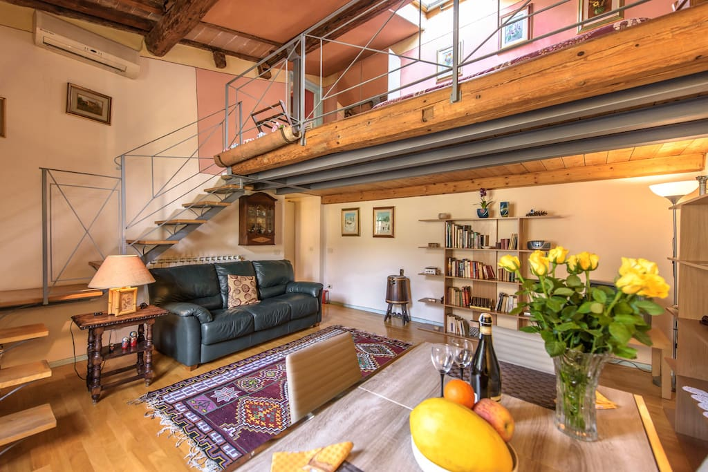 Cheap loft piazza duomo florence lofts for rent in for Piani loft appartamento