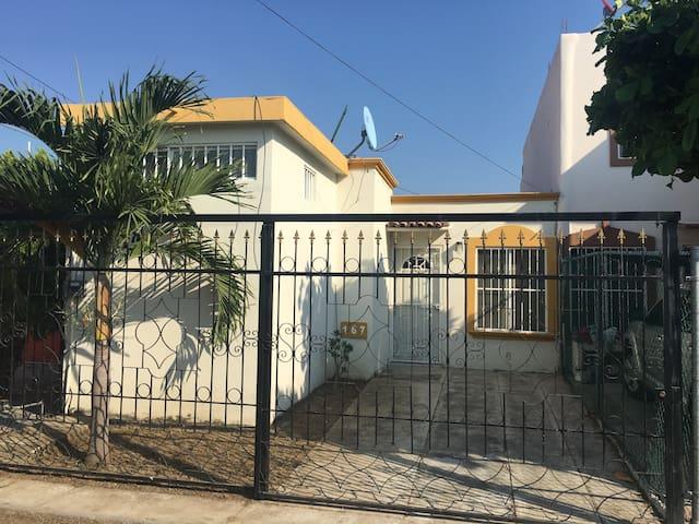 Casa de Playa en Manzanillo - Manzanillo - House