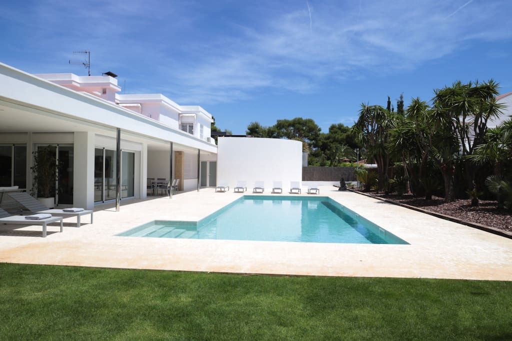 Villa paradise ville in affitto a sitges catalunya spagna for Ville in affitto a barcellona