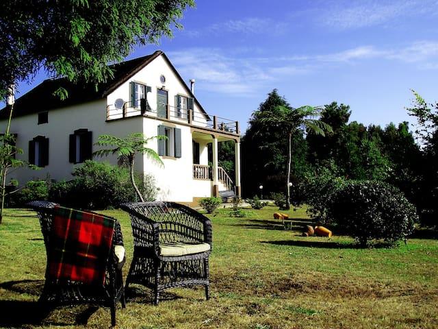 Vila Joaninha, Country house - Santa Cruz - Cabin
