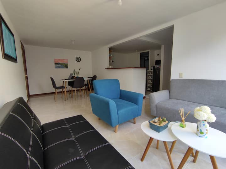 Agradable y espacioso apartamento El Cable/Milán