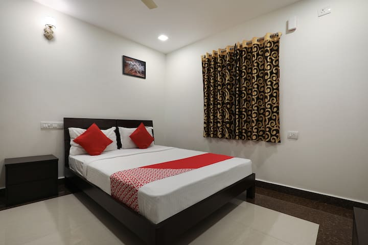 OYO SMART Furnished Hotel in Hyderabad