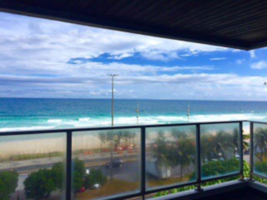 Vista para o mar da praia da Barra