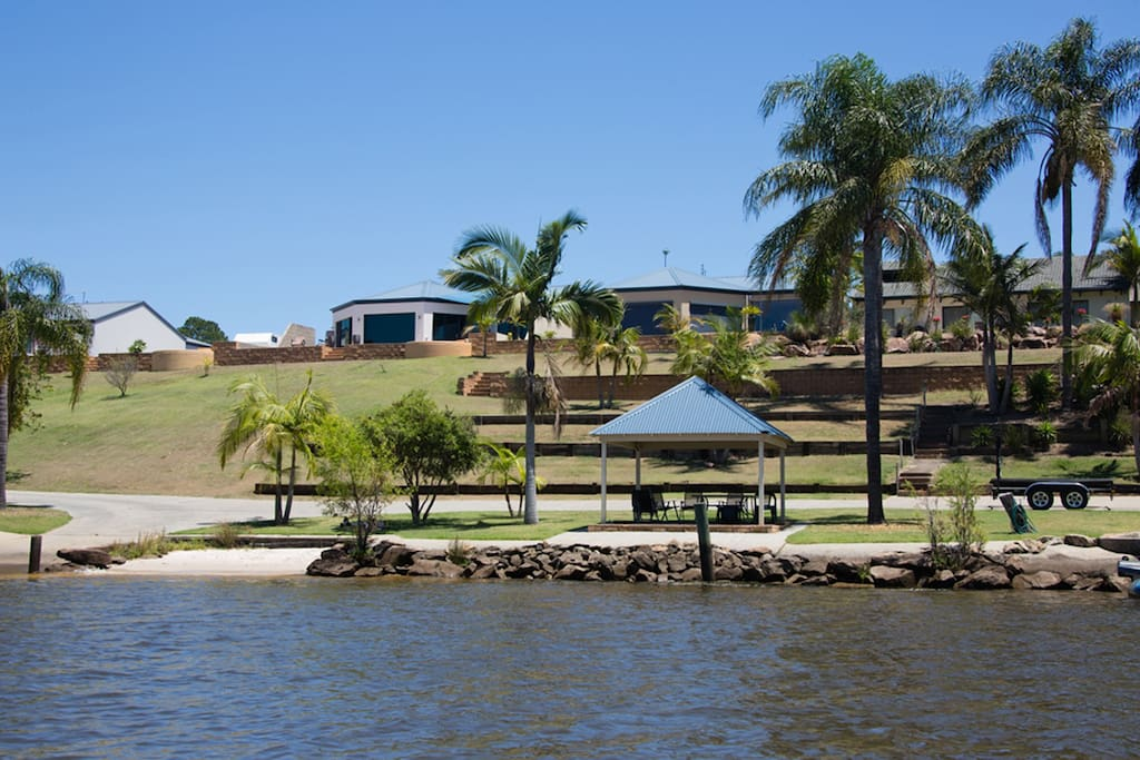 Outback on The Clarence with boat ramp and pergola in the foreground