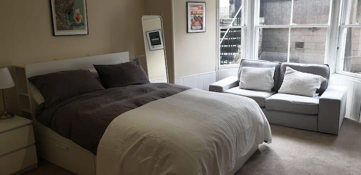 2 bedroom, 2 bathroom on Alexandra Place, KY16 9XD
