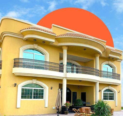 Rooms available, in Super luxurious Villa