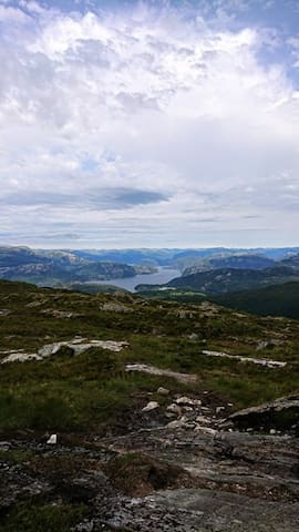 Utsikt fra nærliggende natur