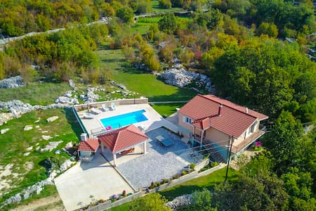 Villa Katja with private pool, free bicycles